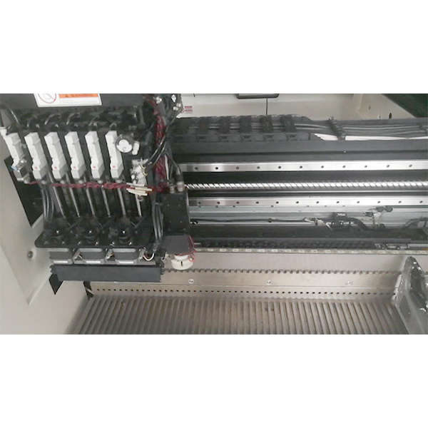 SAMSUNG PICK AND PLACE MACHINE