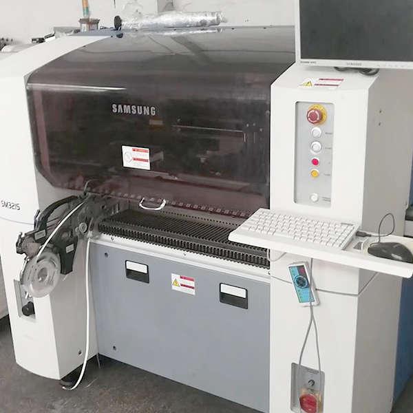 SAMSUNG SM321 PICK AND PLACE MACHINE