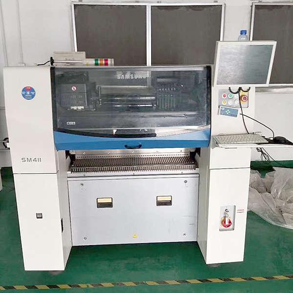 SAMSUNG SM411 PICK AND PLACE MACHINE2