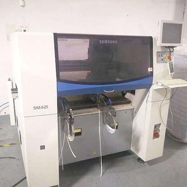 SAMSUNG SM421 PICK AND PLACE MACHINE1